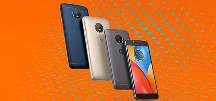 """Conoce Moto C y Moto E, la opción """"smarthphone"""" única al alcance de todos"""