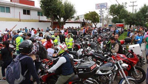 Ponen corazón y motor, motociclistas ante el desastre