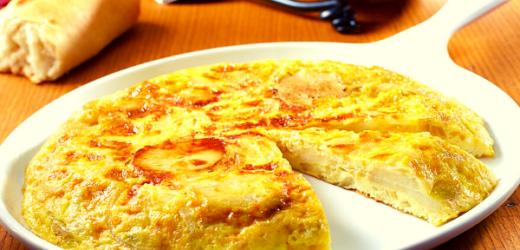 Una exquisita tortilla española con atún.
